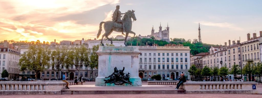 ساحة بيليكور Place Bellecour ليون فرنسا